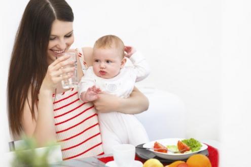 emzirirken-beslenme-1 Emziren Anne Diyeti 🤱 Ne Yemeli | Doğum Sonrası Beslenme