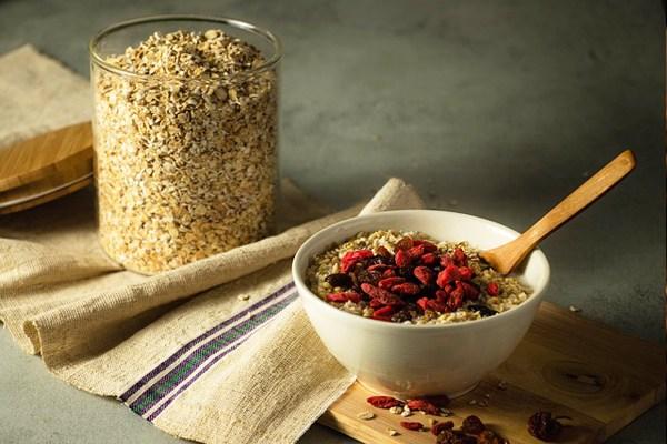 yulaf-ezmesi-nasil-yenir-nasil-pisirilir-diyet-tarifler Emziren Anne Diyeti 🤱 Ne Yemeli | Doğum Sonrası Beslenme