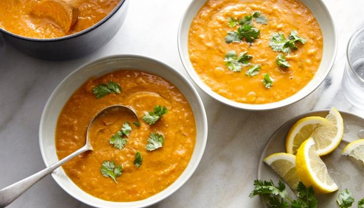 zerdeçallı-mercimek-çorbası Zerdeçalın Zayıflama ve Sağlık Üzerindeki Faydaları Nelerdir?