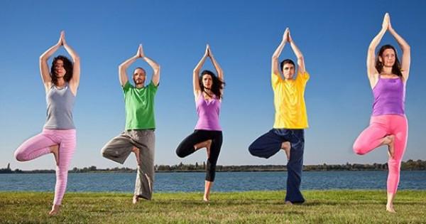 Vrikshasana-Yoga-Pose-Tree-Yoga-pose Bağışıklık Sistemi Nedir ve Nasıl Güçlendirilir?